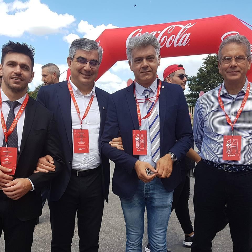 Trent'anni di Coca Cola, celebrazioni per l'anniversario di stabilimento della bevanda più famosa del mondo